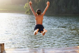 kid-jumping-in-lake 255x170