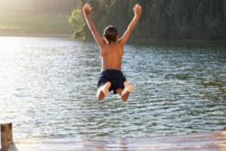 kid-jumping-in-lake 255x170